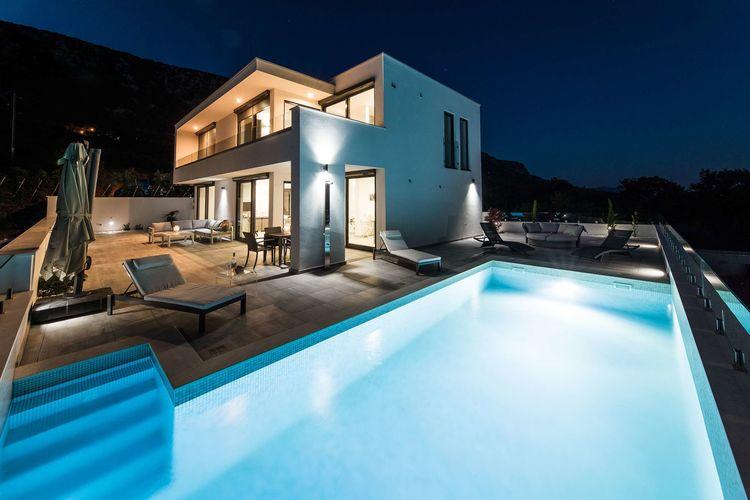 Villa met zwembad met wifi  Crikvenica  Luxe villa met privézwembad en zeezicht!