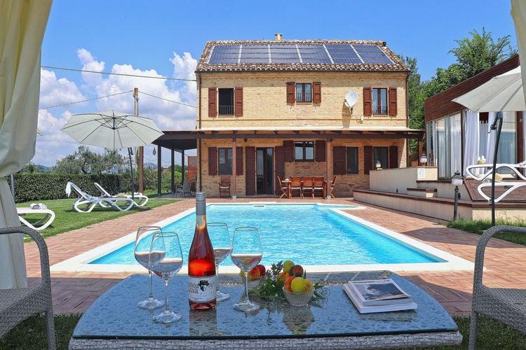 Italie | Marche | Villa te huur in Monte-Giberto met zwembad  met wifi 9 personen