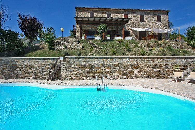 Italie | Marche | Villa te huur in Cagli met zwembad  met wifi 5 personen