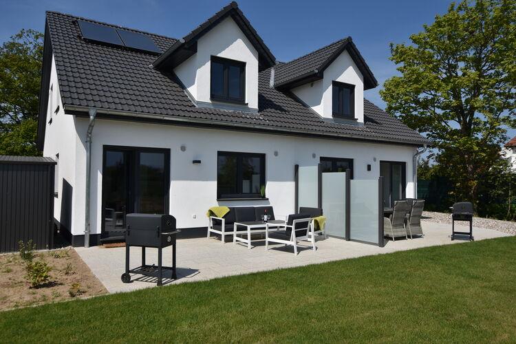 Vakantiehuis  met wifi  KuhlungsbornFerienhaus Wildrose 2 in Kühlungsborn mit Terrasse und Garten