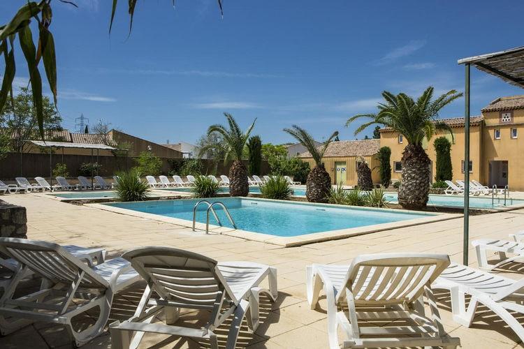 Vakantiehuis met zwembad met wifi  Arlesmaison la prairie