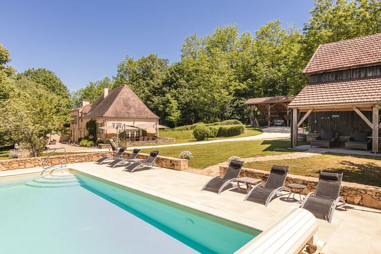 Boerderij met zwembad met wifi  DordogneLe Repaire