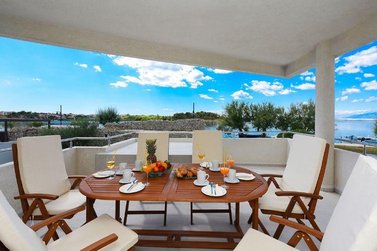 Kroatie | Dalmatie | Villa te huur in Nin   met wifi 8 personen