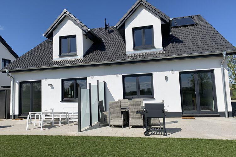 Vakantiehuis  met wifi  KuhlungsbornFerienanlage Wildrose 4 Häuser in Kühlungsborn mit Terrasse und Garten