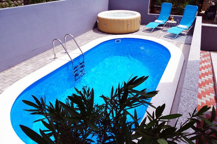 Kroatie | Kvarner | Villa te huur in Dramalj met zwembad  met wifi 6 personen