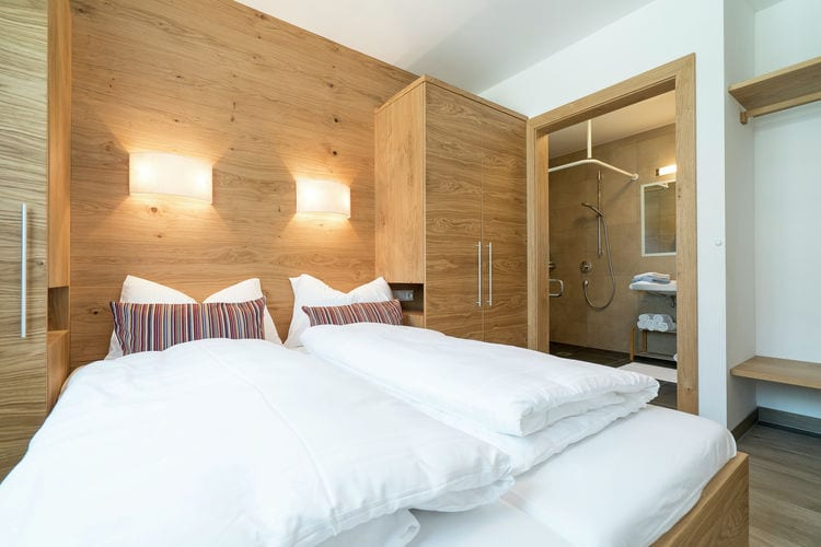 Ref: AT-5741-86 3 Bedrooms Price