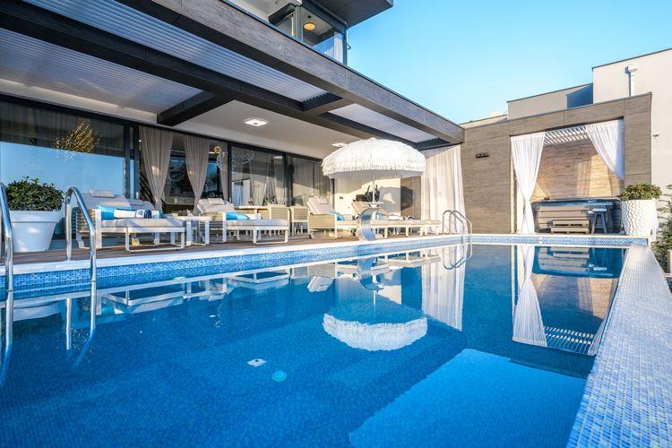 Kroatie | Kvarner | Villa te huur in Crikvenica   met wifi 8 personen