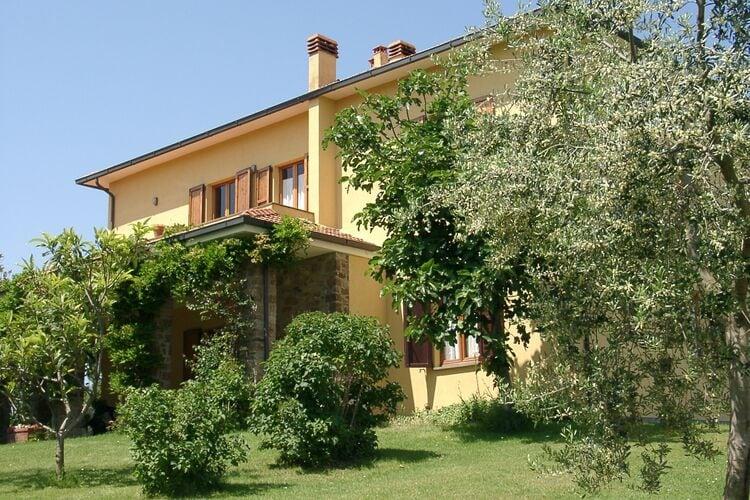 Italie | Toscana | Villa te huur in Sinalunga met zwembad  met wifi 10 personen