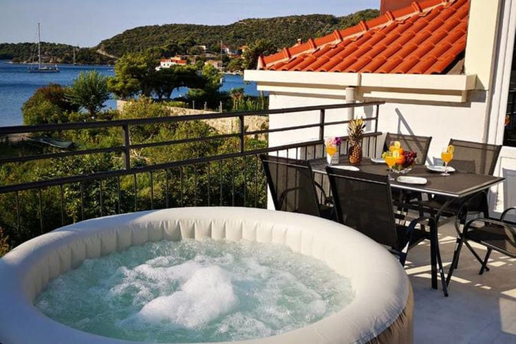 Seaview penthouse apartment Kukuljica  Dalmatia Croatia