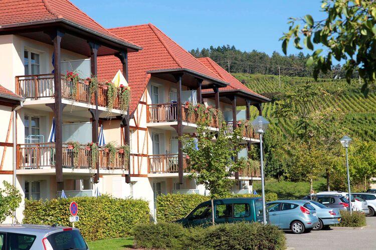 Vakantiehuizen Frankrijk | Vogezen | Appartement te huur in Bergheim met zwembad  met wifi 4 personen