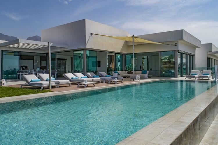 Villa met zwembad met wifi  trfeVilla Christal