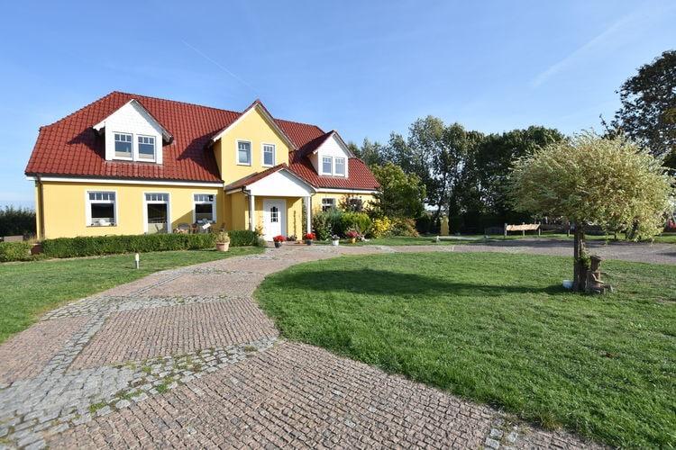 Vakantiehuis  met wifi  KuhlungsbornFerienhof am Leuchtturm - Anlage mit Meerblick bis 26 Personen