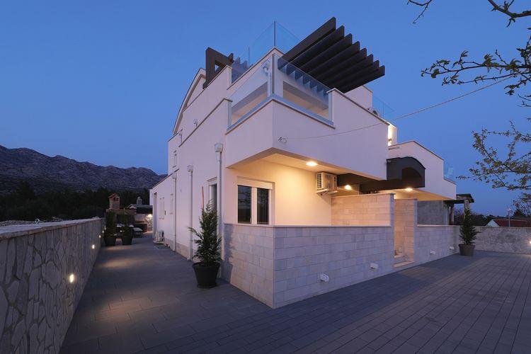 Vakantiehuizen Kroatie | Dalmatie | Villa te huur in Seline met zwembad  met wifi 17 personen