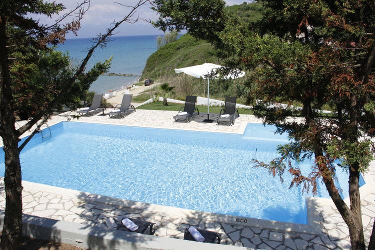 Griekenland | Corfu | Villa te huur in Corfu met zwembad  met wifi 9 personen
