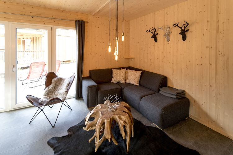 Ref: AT-8861-121 4 Bedrooms Price