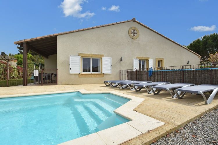 Villa met Zwembad te huur