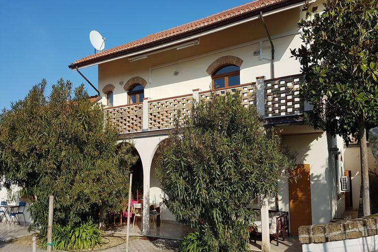Limoncello e Ulivo  Abruzzo Molise Italy
