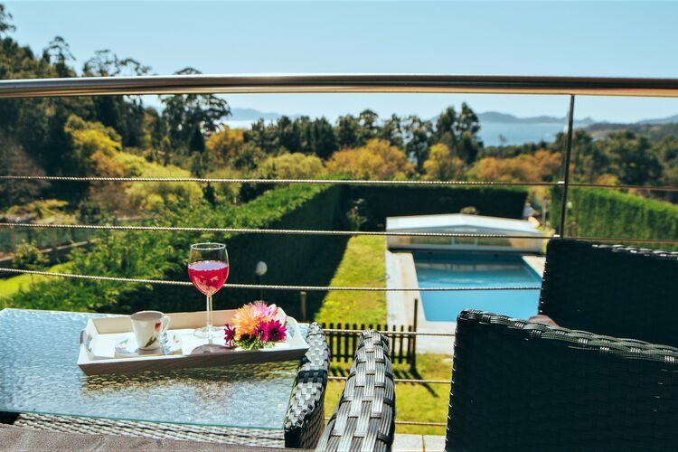 Villa met zwembad met wifi  Cangas do Morrazo  José