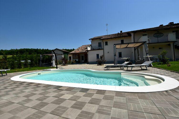 Boerderij met zwembad met wifi  PiemonteGliffany