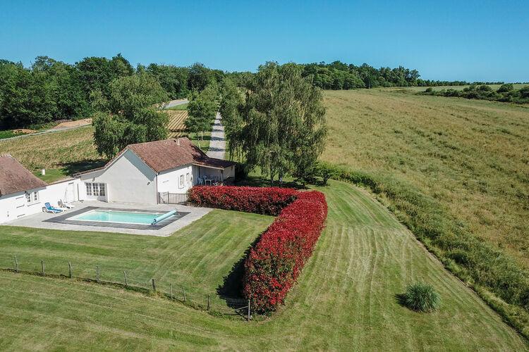 Villa met zwembad met wifi  St-Medard-DexcideuilLes Rivailles