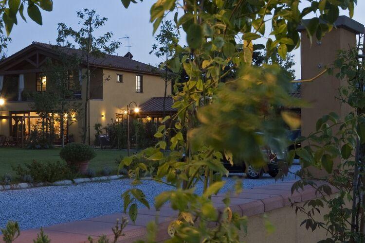 Vakantiehuizen Italie | Lig | Appartement te huur in SARZANA met zwembad  met wifi 2 personen
