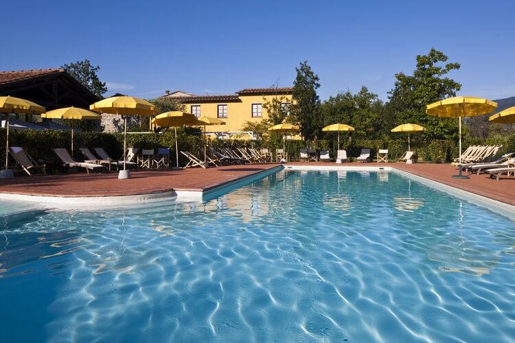 Vakantiehuizen Italie | Lig | Appartement te huur in SARZANA met zwembad  met wifi 4 personen