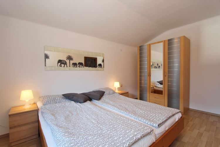 Ref: AT-5742-72 8 Bedrooms Price