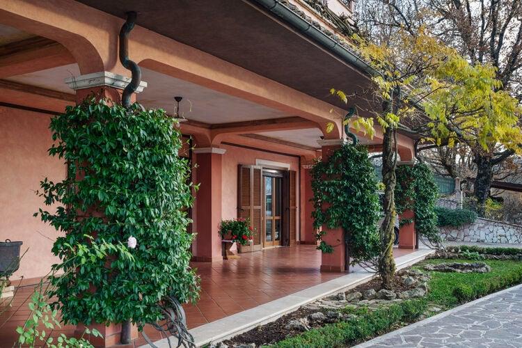 Vakantiehuizen Italie | Abruzzo | Villa te huur in Tagliacozzo met zwembad  met wifi 6 personen