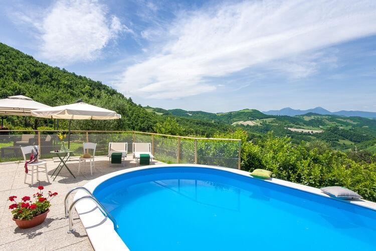 Vakantiehuizen Italie | Marche | Villa te huur in Pergola met zwembad  met wifi 8 personen