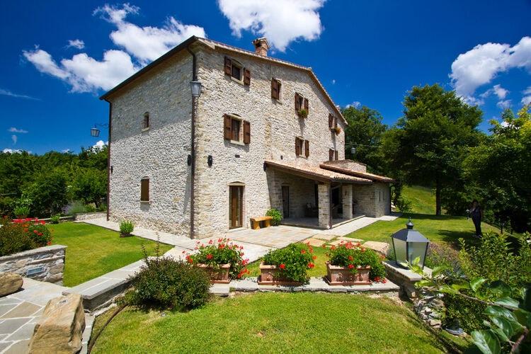 Villas Italie   Marche   Villa te huur in Apecchio met zwembad  met wifi 15 personen