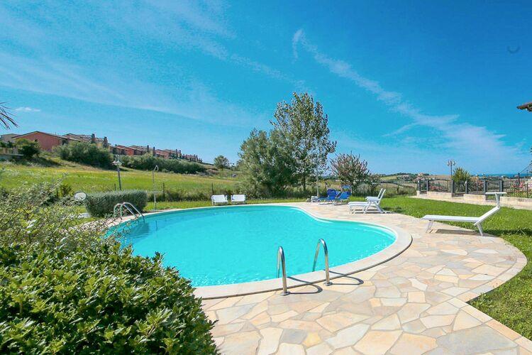 Vakantiehuizen Italie | Marche | Vakantiehuis te huur in San-Costanzo   met wifi 9 personen
