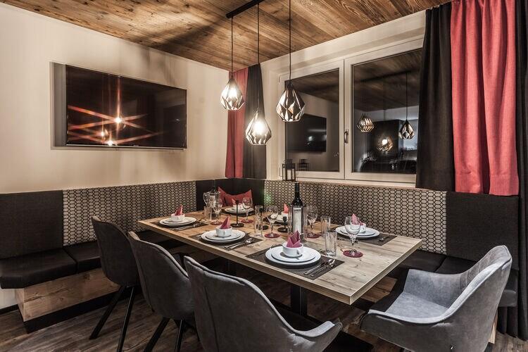 Luxurious Montafon Chalet 2 - Partenen