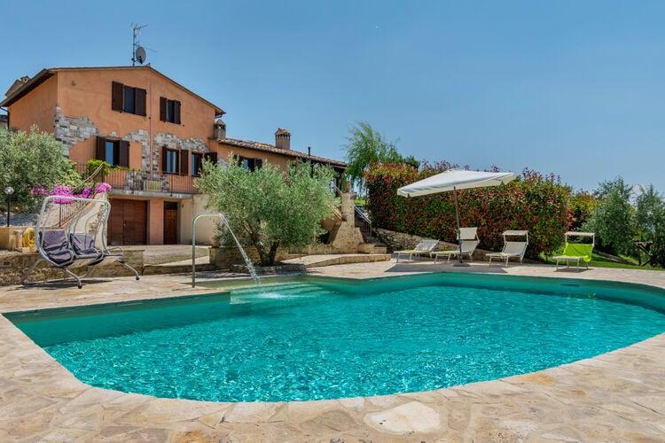 Vakantiehuizen Italie | Umbrie | Vakantiehuis te huur in Montone met zwembad  met wifi 16 personen