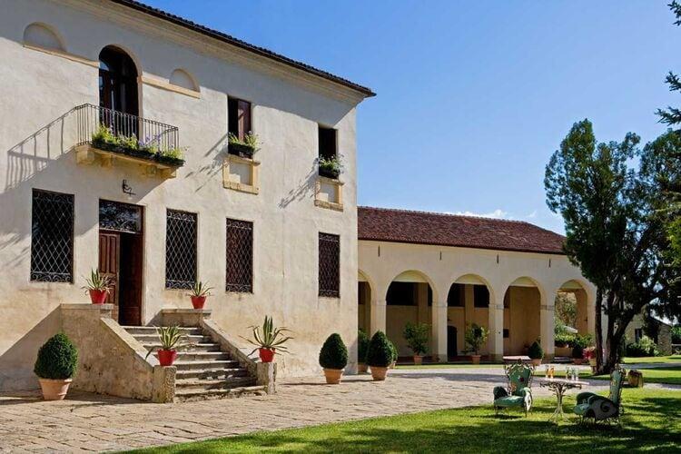 Vakantiehuizen Italie | Veneto | Vakantiehuis te huur in Vicenza met zwembad  met wifi 12 personen