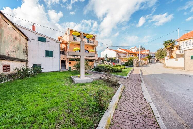 Apartment Sunshine 5-7 guests  Dalmatia Croatia