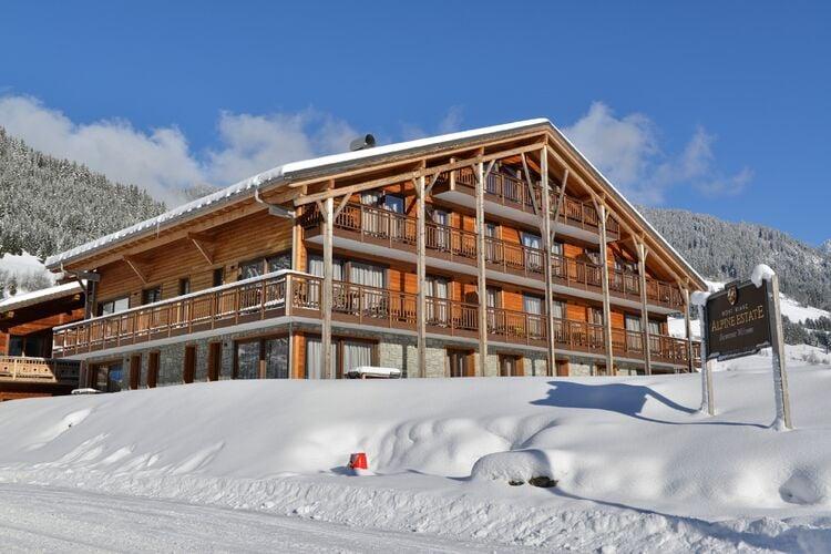 Vakantiehuizen Frankrijk | Auvergne | Appartement te huur in La-Chapelle-dAbondance   met wifi 8 personen