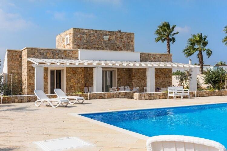 Vakantiehuizen Italie | Puglia | Villa te huur in Capilungo-Alliste met zwembad  met wifi 10 personen