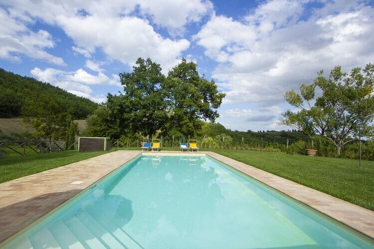 vakantiehuis Italië, Marche, Serrapetrona vakantiehuis IT-62020-231