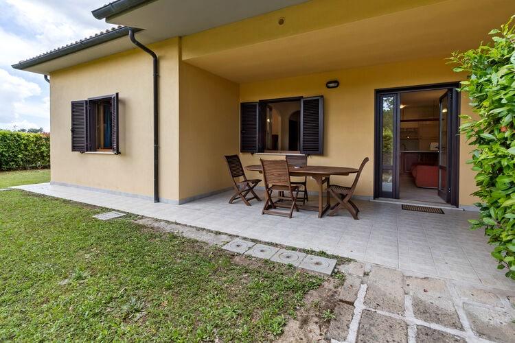 Vakantiehuizen Italie | Toscana | Vakantiehuis te huur in Sorano met zwembad  met wifi 6 personen