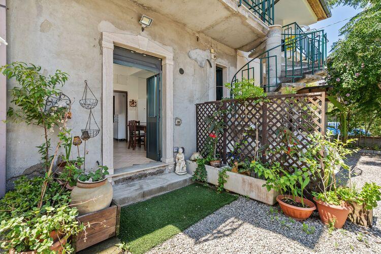 Villa Italië, Basilicata, Palmi Villa IT-89015-03