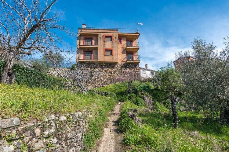 Vakantiehuizen Spanje | Castilla-Y-Leon | Appartement te huur in Herguijuela-de-la-Sierra    6 personen