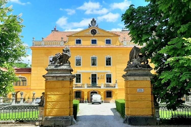 Vakantiehuizen Oostenrijk | Niederoesterreich | Kasteel te huur in Sankt-Polten met zwembad  met wifi 22 personen