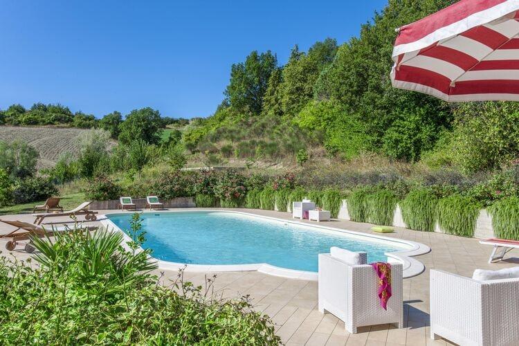 Vakantiehuizen Italie | Marche | Vakantiehuis te huur in Belforte-allIsauro met zwembad  met wifi 10 personen