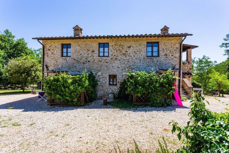 Vakantiehuizen Italie | Toscana | Appartement te huur in Casole-dElsa met zwembad  met wifi 4 personen