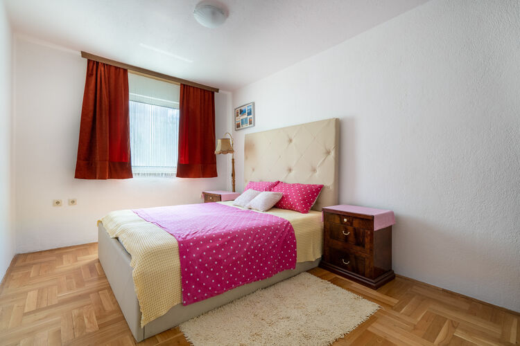 Appartement Kroatië, Dalmatie, Okrug Gornji Appartement HR-21223-35