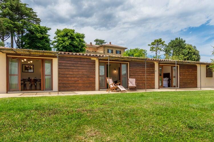 Vakantiehuizen Italie | Umbrie | Boerderij te huur in Morrano met zwembad  met wifi 6 personen