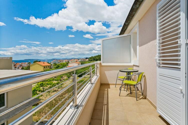 Vakantiehuizen Kroatie | Dalmatie | Appartement te huur in Podstrana   met wifi 4 personen
