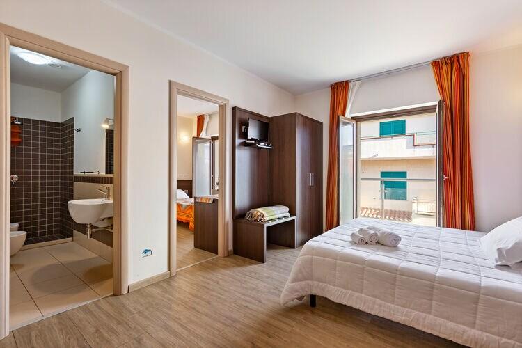 Vakantiehuizen Italie | Basilicata | Appartement te huur in Torre-Melissa   met wifi 5 personen