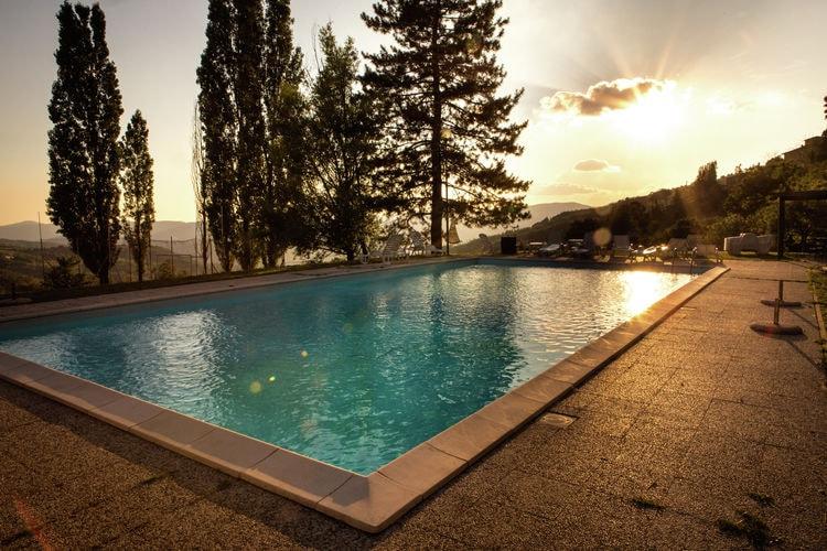 Vakantiehuizen Italie | Toscana | Boerderij te huur in Rufina met zwembad  met wifi 2 personen