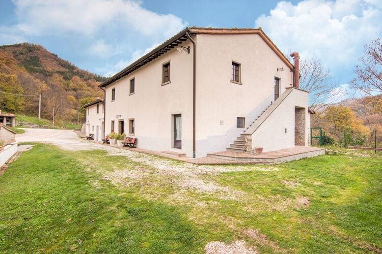 vakantiehuis Italië, Marche, Borgo Pace vakantiehuis IT-00076-85